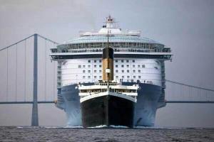 titanic v modern cruise ship