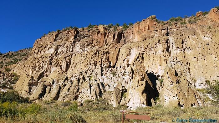 Ancestral Pueblo cavettes